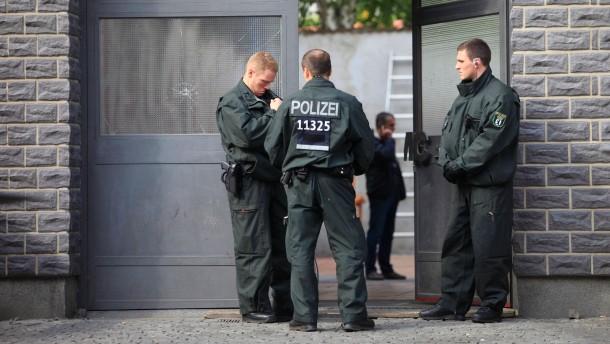 Polizei sucht nach undichter Stelle