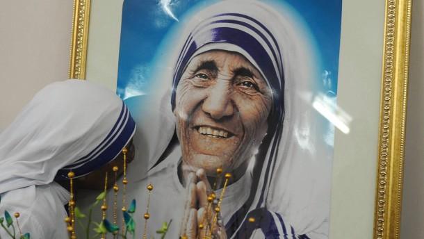 Mutter Teresa wird 2016 heiliggesprochen
