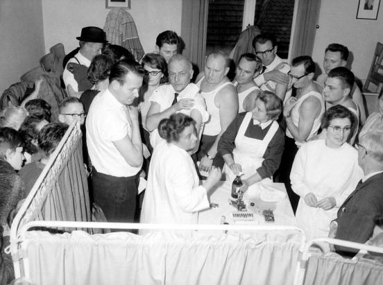 Kulmbach, 1965: Pockenschutzimpfung, nachdem sich ein Mann während einer Dienstreise nach Tansania mit Pocken infiziert hatte