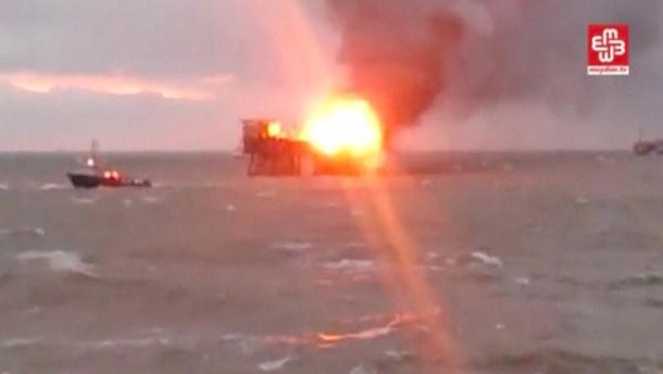 Rund 30 Vermisste bei Brand auf Ölplattform in Aserbaidschan