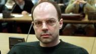 Thomas Drach, Drahtzieher der Reemtsma-Entführung, auf der Anklagebank des Hamburger Landgerichts im Jahr 2000.