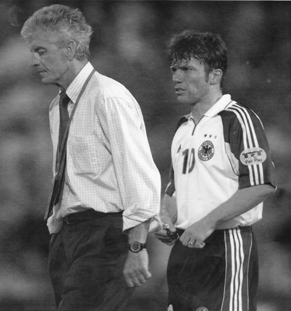 EM 2000: Trainer Erich Ribbeck geht ab.