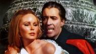 """Fast wie bei """"Dracula"""": Auch die Ecken von Veneers können brechen."""