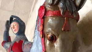 Amateure malen spanischer Heiligen-Statue ein Comic-Gesicht
