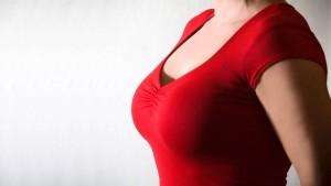 Weniger Brustvergrößerungen in Deutschland
