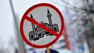 Demonstration gegen den Bau von Moscheen in Berlin