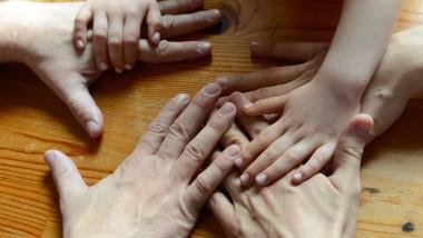 Die Zahl der Ehen geht zurück: Nur noch 70 Prozent der deutschen Eltern sind verheiratet.