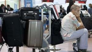 Nervenzehrendes Geduldsspiel für Tausende Passagiere
