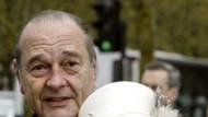 Ist skeptisch, hat aber ein offenes Ohr: Königin Elizabeth, Staatspräsident Chirac