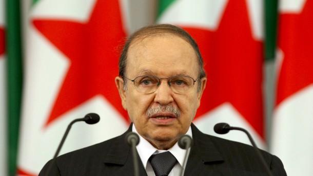 Er versöhnte und lähmte Algerien
