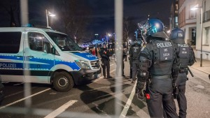Innenminister fordert schärfere Strafe für Angriffe auf Einsatzkräfte