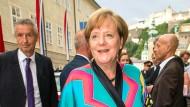 """Zur Aufführung von """"Lady Macbeth"""" am 05. August 2017 im Festspielhaus in Salzburg trug Angela Merkel bereits den farbenfrohen Kimono."""