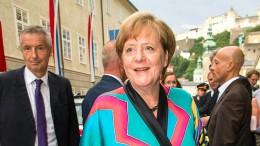 Merkels Seiden-Kimono als Statement gegen Fast Fashion