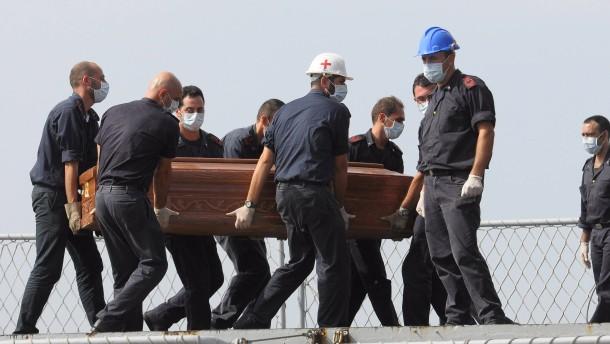 Oettinger: Mehr Grenzkontrollen, mehr Hilfe