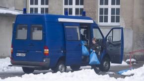 Schuelerin feuert an Gymnasium mit Schreckschusspistole