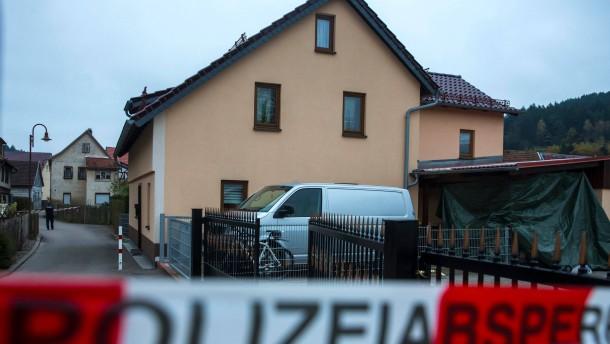 Drei Tote in Einfamilienhaus gefunden