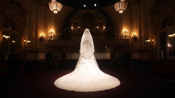 Kates Hochzeitskleid im Buckingham-Palast