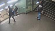 Tritt auf U-Bahn-Treppe: Polizei bittet um Mithilfe