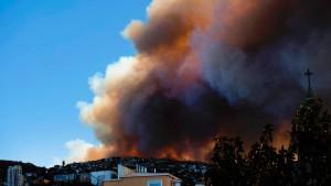 Großbrand in chilenischer Küstenstadt Valparaíso