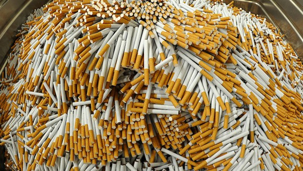 Fahnder beschlagnahmen zehn Millionen Zigaretten