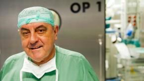 Bemüht sich um Schadensbegrenzung: der Chef des renommierten Berliner Herzzentrums Roland Hetzer