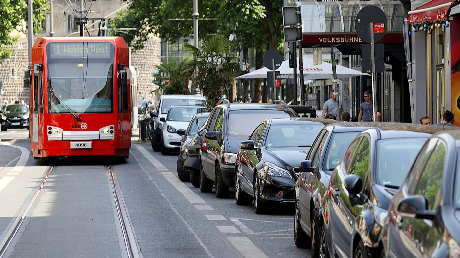 Köln Polizist Straßenbahn