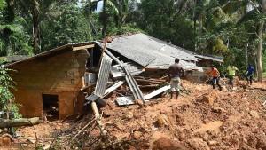 Zahl der Toten nach Erdrutschen in Sri Lanka steigt auf über 200
