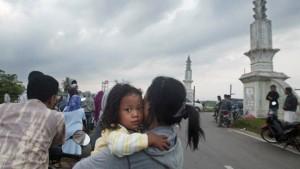 Schweres Erdbeben löst Panik auf Sumatra aus