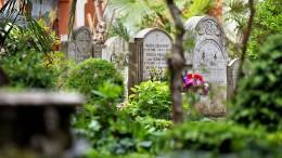 Vatikan lässt Gräber öffnen