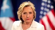 Clinton bedauert Nutzung privater E-Mail-Adresse