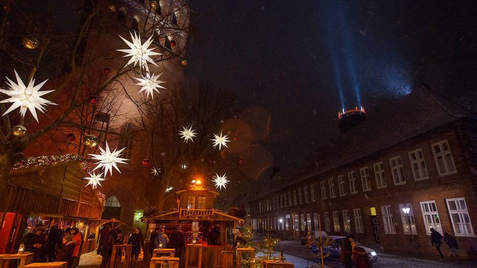 Der Lüneburger Weihnachtsmarkt an der St. Johanniskirche