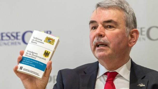 Mollath verklagt Bayern auf rund zwei Millionen Euro Entschädigung