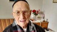 Yisrael Kristal, vor wenigen Tagen in Haifa fotografiert, ist vermutlich der älteste Mensch auf der Welt. Sicher ist: Er ist 112 Jahre alt und hat den Holocaust überlebt.