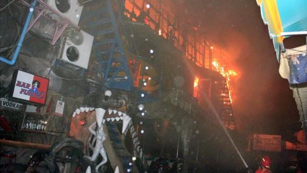 Vier Tote bei Brand in Nachtclub