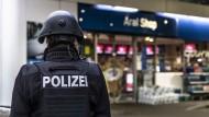 Idar-Oberstein: Tankstellen-Kassierer wegen Corona-Maske erschossen