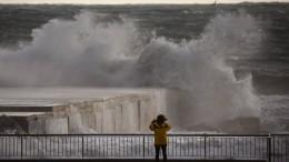 Acht Meter hohe Wellen in Spanien