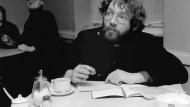 Der Publizistik-Student Fritz Teufel 1967 in der Kantine des Kriminalgerichts Berlin Moabit