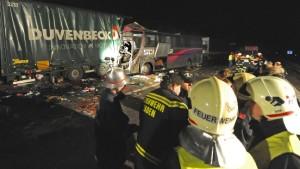 Sechs Tote bei Unfall mit deutschem Bus