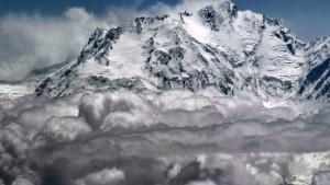 Schneegestöber stoppt Abstieg