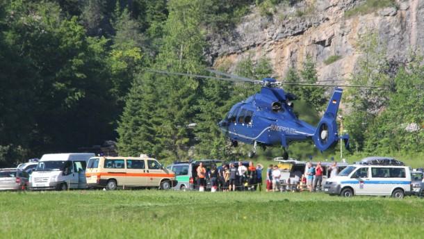 Schwerverletzter sitzt in Riesending-Höhle fest