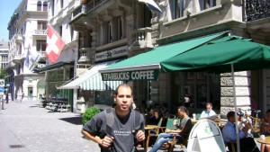 Starbucks-Fan besucht zehntausendste Filiale