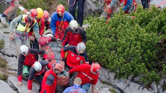 Erfolgreiche Rettung des Höhlenforschers