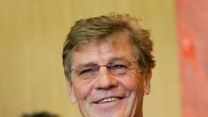 Prinz Ernst August will alten Fall neu aufrollen