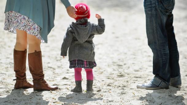 Nur Verheiratete dürfen Stiefkinder adoptieren