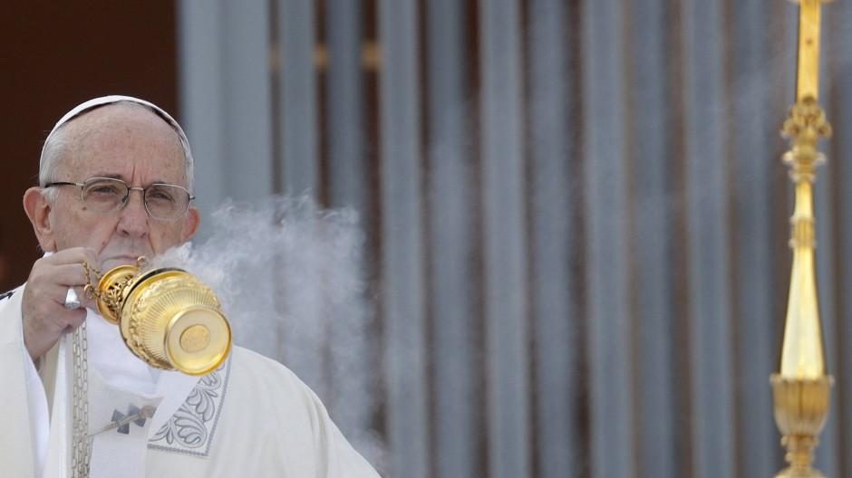 Papst Franziskus am Sonntag bei einer Messe in Ostia, einem Vorort von Rom