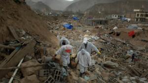 Mehr als 2000 Tote nach Erdbeben