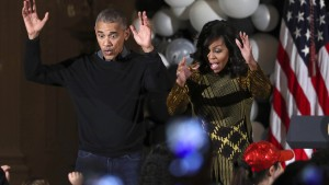 Michelle und Barack Obama tanzen Thriller