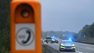 Polizei ermittelt Hergang des Unfalls auf der A81
