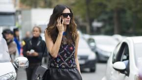 Immer erreichbar: Leila Yavari sichtet für Stylebop in jeder Saison Hunderte von Modekollektionen.