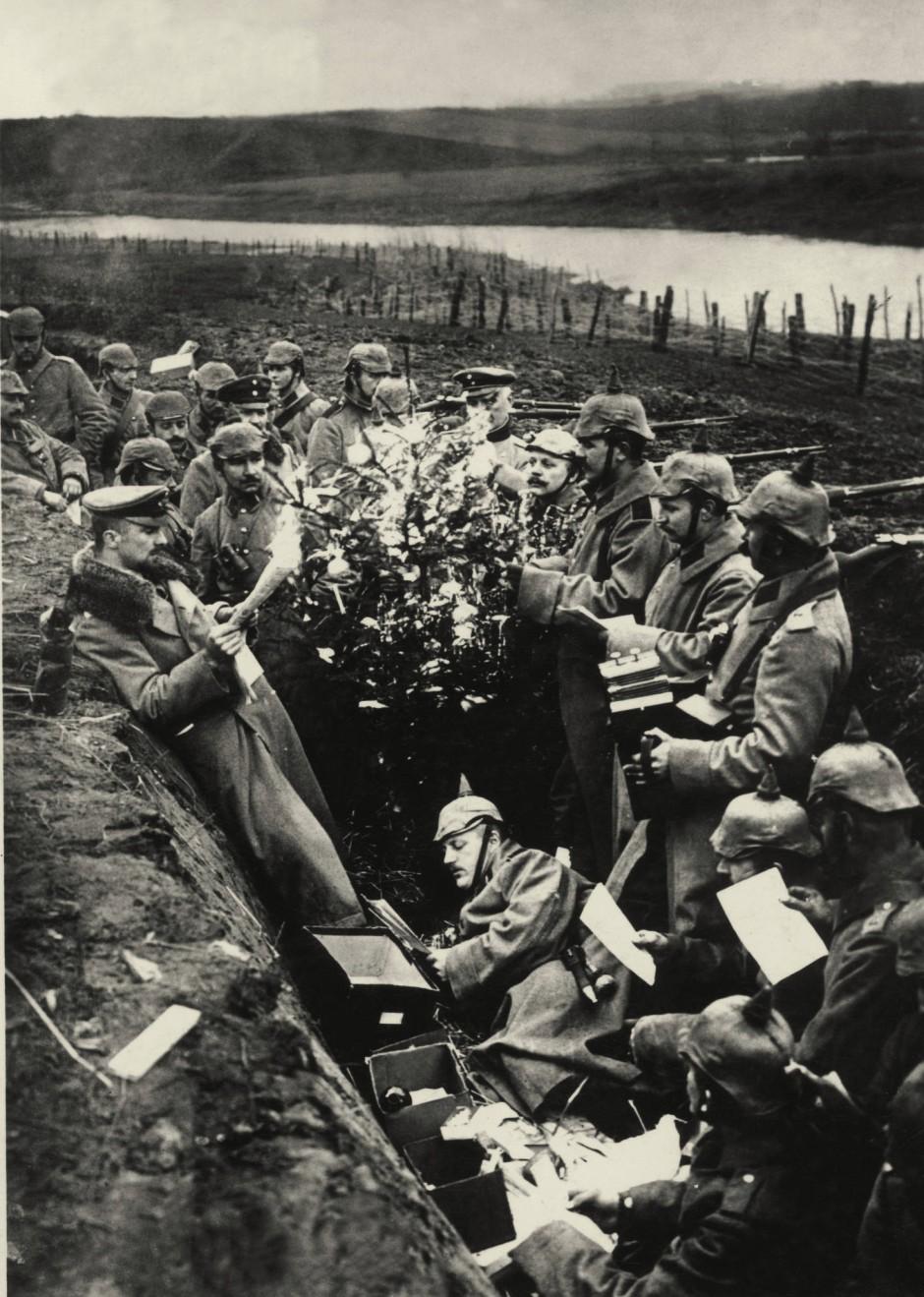 Bilderstrecke zu: Weihnachten 1914 im Schützengraben: Ein bisschen ...